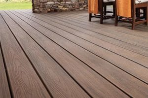 Green-collar-contracting-deck-installation